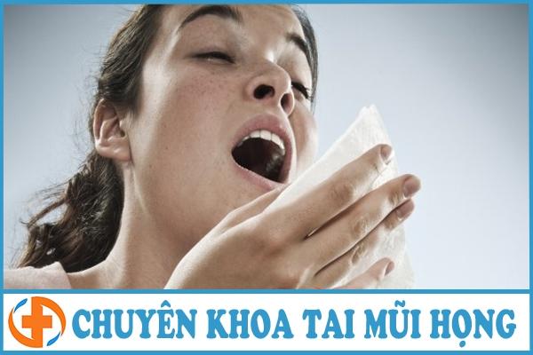 trieu chung dien hinh cua viem mui di ung man tinh